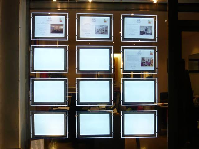 Portes affiche leds pour agence immobili re decograph - Porter plainte contre agence immobiliere location ...